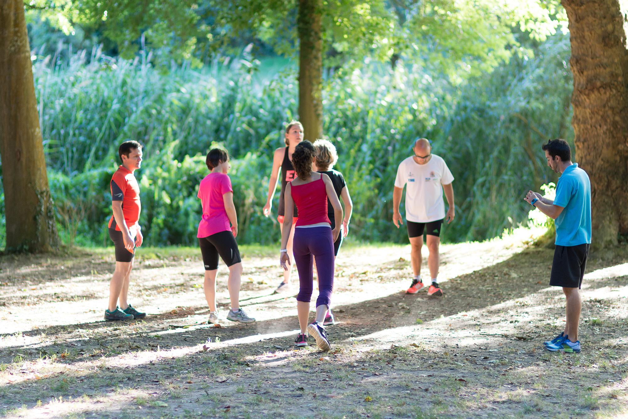 Séance de coaching sportif en extérieur avec Sport et Santé Nantes.